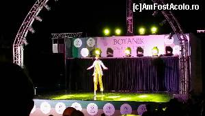 "P59 [JUN-2015] Botanik Exclusive Resort - la spectacol -- foto by <b>nicole33</b> [uploaded 27.07.15] - <span class=""allrVotedi"" id=""av644745"">Foto VOTATĂ de mine!</span><div class=""delVotI"" id=""sv644745""><a href=""/pma_sterge_vot.php?vid=&fid=644745"">Şterge vot</a></div><span id=""v9644745"" class=""displayinline;""> - <a style=""color:red;"" href=""javascript:votez(644745)""><b>LIKE</b> = Votează poza</a><img class=""loader"" id=""f644745Validating"" src=""/imagini/loader.gif"" border=""0"" /><span class=""AjErrMes""  id=""e644745MesajEr""></span>"