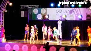 "P60 [JUN-2015] Botanik Exclusive Resort - la spectacol -- foto by <b>nicole33</b> [uploaded 27.07.15] - <span class=""allrVotedi"" id=""av644746"">Foto VOTATĂ de mine!</span><div class=""delVotI"" id=""sv644746""><a href=""/pma_sterge_vot.php?vid=&fid=644746"">Şterge vot</a></div><span id=""v9644746"" class=""displayinline;""> - <a style=""color:red;"" href=""javascript:votez(644746)""><b>LIKE</b> = Votează poza</a><img class=""loader"" id=""f644746Validating"" src=""/imagini/loader.gif"" border=""0"" /><span class=""AjErrMes""  id=""e644746MesajEr""></span>"
