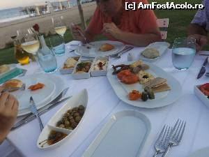 "P07 [JUL-2014] Meze la Mermaid Restaurant.  -- foto by <b>cloverina</b> [uploaded 10.07.14] - <span class=""allrVotedi"" id=""av525753"">Foto VOTATĂ de mine!</span><div class=""delVotI"" id=""sv525753""><a href=""/pma_sterge_vot.php?vid=&fid=525753"">Şterge vot</a></div><span id=""v9525753"" class=""displayinline;""> - <a style=""color:red;"" href=""javascript:votez(525753)""><b>LIKE</b> = Votează poza</a><img class=""loader"" id=""f525753Validating"" src=""/imagini/loader.gif"" border=""0"" /><span class=""AjErrMes""  id=""e525753MesajEr""></span>"