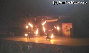 "P04 <small>[JUN-2015]</small> Spectacolul Fire Show-cel mai bun din cate am vazut pana acum.  » foto by Lisa   <span class=""allrVoted glyphicon glyphicon-heart hidden"" id=""av639284""></span> <a class=""m-l-10 hidden pull-right"" id=""sv639284"" onclick=""voting_Foto_DelVot(,639284,225)"" role=""button"">șterge vot <span class=""glyphicon glyphicon-remove""></span></a> <img class=""hidden pull-right m-r-10 m-l-10""  id=""f639284W9"" src=""/imagini/loader.gif"" border=""0"" /> <a id=""v9639284"" class="" c-red pull-right""  onclick=""voting_Foto_SetVot(639284)"" role=""button""><span class=""glyphicon glyphicon-heart-empty""></span> <b>LIKE</b> = Votează poza</a><span class=""AjErrMes hidden"" id=""e639284ErM""></span>"