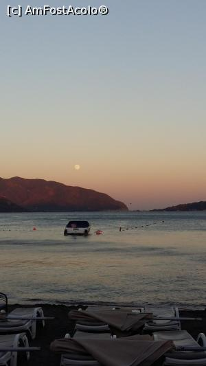 "P09 [AUG-2016] Apus de soare luna August la Marmaris -- foto by <b>marival</b> [uploaded 05.03.17] - <span class=""allrVotedi"" id=""av838678"">Foto VOTATĂ de mine!</span><div class=""delVotI"" id=""sv838678""><a href=""/pma_sterge_vot.php?vid=&fid=838678"">Şterge vot</a></div><span id=""v9838678"" class=""displayinline;""> - <a style=""color:red;"" href=""javascript:votez(838678)""><b>LIKE</b> = Votează poza</a><img class=""loader"" id=""f838678Validating"" src=""/imagini/loader.gif"" border=""0"" /><span class=""AjErrMes""  id=""e838678MesajEr""></span>"