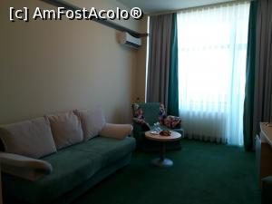 "P09 [SEP-2019] Hotel Malibu Mamaia. Livingul din apartament.  -- foto by <b>Floria</b> [uploaded 12.10.19] - <span class=""allrVotedi"" id=""av1115756"">Foto VOTATĂ de mine!</span><div class=""delVotI"" id=""sv1115756""><a href=""/pma_sterge_vot.php?vid=&fid=1115756"">Şterge vot</a></div><span id=""v91115756"" class=""displayinline;""> - <a style=""color:red;"" href=""javascript:votez(1115756)""><b>LIKE</b> = Votează poza</a><img class=""loader"" id=""f1115756Validating"" src=""/imagini/loader.gif"" border=""0"" /><span class=""AjErrMes""  id=""e1115756MesajEr""></span>"