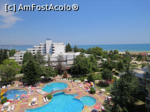 "P03 [JUL-2017] Piscina si marea in departare -- foto by <b>mont</b> [uploaded 06.08.17] - <span class=""allrVotedi"" id=""av886070"">Foto VOTATĂ de mine!</span><div class=""delVotI"" id=""sv886070""><a href=""/pma_sterge_vot.php?vid=&fid=886070"">Şterge vot</a></div><span id=""v9886070"" class=""displayinline;""> - <a style=""color:red;"" href=""javascript:votez(886070)""><b>LIKE</b> = Votează poza</a><img class=""loader"" id=""f886070Validating"" src=""/imagini/loader.gif"" border=""0"" /><span class=""AjErrMes""  id=""e886070MesajEr""></span>"