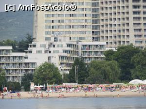 "P06 [JUL-2017] Laguna Garden vazuta de pe mare (in spate o parte din hotelul Dobrudja)  -- foto by <b>mont</b> [uploaded 06.08.17] - <span class=""allrVotedi"" id=""av886073"">Foto VOTATĂ de mine!</span><div class=""delVotI"" id=""sv886073""><a href=""/pma_sterge_vot.php?vid=&fid=886073"">Şterge vot</a></div><span id=""v9886073"" class=""displayinline;""> - <a style=""color:red;"" href=""javascript:votez(886073)""><b>LIKE</b> = Votează poza</a><img class=""loader"" id=""f886073Validating"" src=""/imagini/loader.gif"" border=""0"" /><span class=""AjErrMes""  id=""e886073MesajEr""></span>"