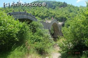 "P28 [JUL-2017] Zagoria - podul Kalogeriko -- foto by <b>nickro</b> [uploaded 25.10.17] - <span class=""allrVotedi"" id=""av915245"">Foto VOTATĂ de mine!</span><div class=""delVotI"" id=""sv915245""><a href=""/pma_sterge_vot.php?vid=&fid=915245"">Şterge vot</a></div><span id=""v9915245"" class=""displayinline;""> - <a style=""color:red;"" href=""javascript:votez(915245)""><b>LIKE</b> = Votează poza</a><img class=""loader"" id=""f915245Validating"" src=""/imagini/loader.gif"" border=""0"" /><span class=""AjErrMes""  id=""e915245MesajEr""></span>"