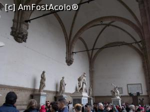 "P02 [MAY-2018] Loggia dei Lanzi, Florența -- foto by <b>mihaelavoicu</b> [uploaded 25.08.18] - <span class=""allrVotedi"" id=""av1002741"">Foto VOTATĂ de mine!</span><div class=""delVotI"" id=""sv1002741""><a href=""/pma_sterge_vot.php?vid=&fid=1002741"">Şterge vot</a></div><span id=""v91002741"" class=""displayinline;""> - <a style=""color:red;"" href=""javascript:votez(1002741)""><b>LIKE</b> = Votează poza</a><img class=""loader"" id=""f1002741Validating"" src=""/imagini/loader.gif"" border=""0"" /><span class=""AjErrMes""  id=""e1002741MesajEr""></span>"
