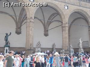 "P21 [MAY-2018] Loggia dei Lanzi, Florența.  -- foto by <b>mihaelavoicu</b> [uploaded 25.08.18] - <span class=""allrVotedi"" id=""av1002760"">Foto VOTATĂ de mine!</span><div class=""delVotI"" id=""sv1002760""><a href=""/pma_sterge_vot.php?vid=&fid=1002760"">Şterge vot</a></div><span id=""v91002760"" class=""displayinline;""> - <a style=""color:red;"" href=""javascript:votez(1002760)""><b>LIKE</b> = Votează poza</a><img class=""loader"" id=""f1002760Validating"" src=""/imagini/loader.gif"" border=""0"" /><span class=""AjErrMes""  id=""e1002760MesajEr""></span>"