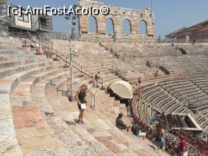 "P03 <small>[AUG-2017]</small> Arena din Verona interior » foto by GCC   <span class=""allrVoted glyphicon glyphicon-heart hidden"" id=""av887174""></span> <a class=""m-l-10 hidden pull-right"" id=""sv887174"" onclick=""voting_Foto_DelVot(,887174,1233)"" role=""button"">șterge vot <span class=""glyphicon glyphicon-remove""></span></a> <img class=""hidden pull-right m-r-10 m-l-10""  id=""f887174W9"" src=""/imagini/loader.gif"" border=""0"" /> <a id=""v9887174"" class="" c-red pull-right""  onclick=""voting_Foto_SetVot(887174)"" role=""button""><span class=""glyphicon glyphicon-heart-empty""></span> <b>LIKE</b> = Votează poza</a><span class=""AjErrMes hidden"" id=""e887174ErM""></span>"
