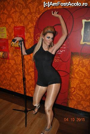 P11 <small>[OCT-2015]</small> Doamna Beyonce, mai ca imi venea sa ii pun mana pe fund (Madame Tussauds)  » foto by calin.zerna   &lt;span class=&quot;allrVoted glyphicon glyphicon-heart hidden&quot; id=&quot;av681402&quot;&gt;&lt;/span&gt; &lt;a class=&quot;m-l-10 hidden pull-right&quot; id=&quot;sv681402&quot; onclick=&quot;voting_Foto_DelVot(,681402,1639)&quot; role=&quot;button&quot;&gt;șterge vot &lt;span class=&quot;glyphicon glyphicon-remove&quot;&gt;&lt;/span&gt;&lt;/a&gt; &lt;img class=&quot;hidden pull-right m-r-10 m-l-10&quot;  id=&quot;f681402W9&quot; src=&quot;/imagini/loader.gif&quot; border=&quot;0&quot; /&gt; &lt;a id=&quot;v9681402&quot; class=&quot; c-red pull-right&quot;  onclick=&quot;voting_Foto_SetVot(681402)&quot; role=&quot;button&quot;&gt;&lt;span class=&quot;glyphicon glyphicon-heart-empty&quot;&gt;&lt;/span&gt; &lt;b&gt;LIKE&lt;/b&gt; = Votează poza&lt;/a&gt;&lt;span class=&quot;AjErrMes hidden&quot; id=&quot;e681402ErM&quot;&gt;&lt;/span&gt;