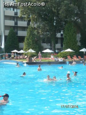 "P09 <small>[JUL-2016]</small> Piscina Hotelului Grand Hotel Varna » foto by laur_stef  -  <span class=""allrVoted glyphicon glyphicon-heart hidden"" id=""av768264""></span> <a class=""m-l-10 hidden"" id=""sv768264"" onclick=""voting_Foto_DelVot(,768264,2552)"" role=""button"">șterge vot <span class=""glyphicon glyphicon-remove""></span></a> <a id=""v9768264"" class="" c-red""  onclick=""voting_Foto_SetVot(768264)"" role=""button""><span class=""glyphicon glyphicon-heart-empty""></span> <b>LIKE</b> = Votează poza</a> <img class=""hidden""  id=""f768264W9"" src=""/imagini/loader.gif"" border=""0"" /><span class=""AjErrMes hidden"" id=""e768264ErM""></span>"