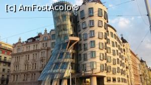 P07 <small>[AUG-2017]</small> Dancing house, Fred and Ginger » foto by ams  -  &lt;span class=&quot;allrVoted glyphicon glyphicon-heart hidden&quot; id=&quot;av888706&quot;&gt;&lt;/span&gt; &lt;a class=&quot;m-l-10 hidden&quot; id=&quot;sv888706&quot; onclick=&quot;voting_Foto_DelVot(,888706,3167)&quot; role=&quot;button&quot;&gt;șterge vot &lt;span class=&quot;glyphicon glyphicon-remove&quot;&gt;&lt;/span&gt;&lt;/a&gt; &lt;a id=&quot;v9888706&quot; class=&quot; c-red&quot;  onclick=&quot;voting_Foto_SetVot(888706)&quot; role=&quot;button&quot;&gt;&lt;span class=&quot;glyphicon glyphicon-heart-empty&quot;&gt;&lt;/span&gt; &lt;b&gt;LIKE&lt;/b&gt; = Votează poza&lt;/a&gt; &lt;img class=&quot;hidden&quot;  id=&quot;f888706W9&quot; src=&quot;/imagini/loader.gif&quot; border=&quot;0&quot; /&gt;&lt;span class=&quot;AjErrMes hidden&quot; id=&quot;e888706ErM&quot;&gt;&lt;/span&gt;