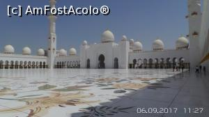"P13 <small>[SEP-2017]</small> Marea Moschee din Abu Dhabi sau Moscheea Șeicului Zayed... !!!  » foto by Mena   <span class=""allrVoted glyphicon glyphicon-heart hidden"" id=""av937421""></span> <a class=""m-l-10 hidden pull-right"" id=""sv937421"" onclick=""voting_Foto_DelVot(,937421,3199)"" role=""button"">șterge vot <span class=""glyphicon glyphicon-remove""></span></a> <img class=""hidden pull-right m-r-10 m-l-10""  id=""f937421W9"" src=""/imagini/loader.gif"" border=""0"" /> <a id=""v9937421"" class="" c-red pull-right""  onclick=""voting_Foto_SetVot(937421)"" role=""button""><span class=""glyphicon glyphicon-heart-empty""></span> <b>LIKE</b> = Votează poza</a><span class=""AjErrMes hidden"" id=""e937421ErM""></span>"