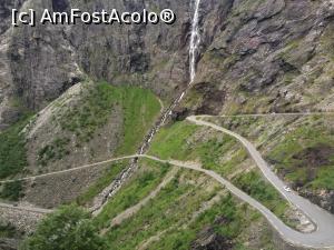 P05 <small>[înc: 05.10.16]</small> Prima cascadă pe Drumul Trolilor. Pe 106 km cât ține acest drum am văzut zeci de cascade.