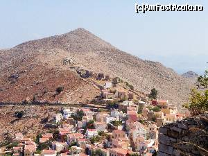 "P26 [SEP-2015] Symi, vedere de la castel.  -- foto by <b>maryka</b> [uploaded 27.09.15] - <span class=""allrVotedi"" id=""av675528"">Foto VOTATĂ de mine!</span><div class=""delVotI"" id=""sv675528""><a href=""/pma_sterge_vot.php?vid=&fid=675528"">Şterge vot</a></div><span id=""v9675528"" class=""displayinline;""> - <a style=""color:red;"" href=""javascript:votez(675528)""><b>LIKE</b> = Votează poza</a><img class=""loader"" id=""f675528Validating"" src=""/imagini/loader.gif"" border=""0"" /><span class=""AjErrMes""  id=""e675528MesajEr""></span>"