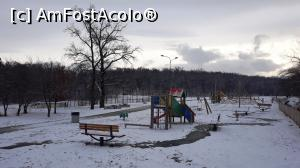 "P09 <small>[DEC-2018]</small> Parc Valea Aurie (pe aici a fost ștrandul)  » foto by AZE   <span class=""allrVoted glyphicon glyphicon-heart hidden"" id=""av1043683""></span> <a class=""m-l-10 hidden pull-right"" id=""sv1043683"" onclick=""voting_Foto_DelVot(,1043683,3936)"" role=""button"">șterge vot <span class=""glyphicon glyphicon-remove""></span></a> <img class=""hidden pull-right m-r-10 m-l-10""  id=""f1043683W9"" src=""/imagini/loader.gif"" border=""0"" /> <a id=""v91043683"" class="" c-red pull-right""  onclick=""voting_Foto_SetVot(1043683)"" role=""button""><span class=""glyphicon glyphicon-heart-empty""></span> <b>LIKE</b> = Votează poza</a><span class=""AjErrMes hidden"" id=""e1043683ErM""></span>"