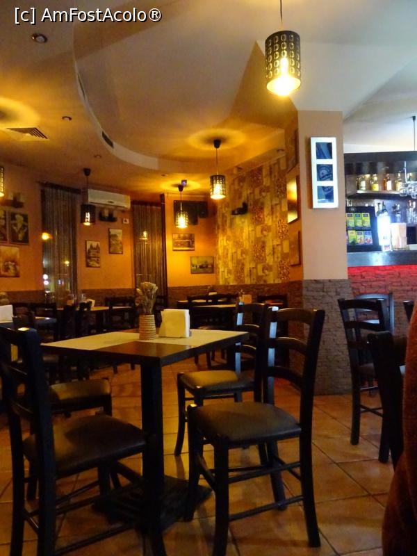 Restaurant de intalnire a site- ului)