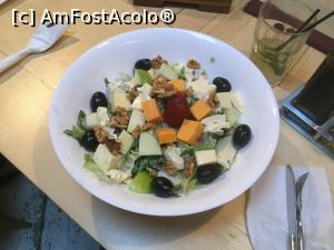 "P19 [APR-2018] Restaurant Shift - Salata Shift -- foto by <b>mishu</b> [uploaded 24.04.18] - <span class=""allrVotedi"" id=""av961062"">Foto VOTATĂ de mine!</span><div class=""delVotI"" id=""sv961062""><a href=""/pma_sterge_vot.php?vid=&fid=961062"">Şterge vot</a></div><span id=""v9961062"" class=""displayinline;""> - <a style=""color:red;"" href=""javascript:votez(961062)""><b>LIKE</b> = Votează poza</a><img class=""loader"" id=""f961062Validating"" src=""/imagini/loader.gif"" border=""0"" /><span class=""AjErrMes""  id=""e961062MesajEr""></span>"