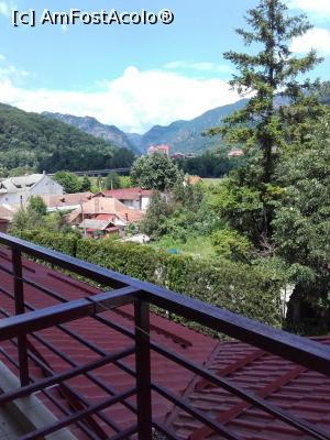 "P04 [JUN-2017] vedere din balcon -- foto by <b>aurora56</b> [uploaded 26.06.17] - <span class=""allrVotedi"" id=""av868444"">Foto VOTATĂ de mine!</span><div class=""delVotI"" id=""sv868444""><a href=""/pma_sterge_vot.php?vid=&fid=868444"">Şterge vot</a></div><span id=""v9868444"" class=""displayinline;""> - <a style=""color:red;"" href=""javascript:votez(868444)""><b>LIKE</b> = Votează poza</a><img class=""loader"" id=""f868444Validating"" src=""/imagini/loader.gif"" border=""0"" /><span class=""AjErrMes""  id=""e868444MesajEr""></span>"