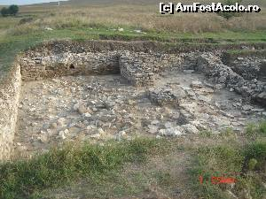 "P26 [SEP-2014] Cetatea Halmyris -- foto by <b>crismis</b> [uploaded 22.03.15] - <span class=""allrVotedi"" id=""av604246"">Foto VOTATĂ de mine!</span><div class=""delVotI"" id=""sv604246""><a href=""/pma_sterge_vot.php?vid=&fid=604246"">Şterge vot</a></div><span id=""v9604246"" class=""displayinline;""> - <a style=""color:red;"" href=""javascript:votez(604246)""><b>LIKE</b> = Votează poza</a><img class=""loader"" id=""f604246Validating"" src=""/imagini/loader.gif"" border=""0"" /><span class=""AjErrMes""  id=""e604246MesajEr""></span>"