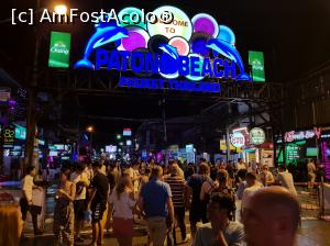 "P10 <small>[NOV-2017]</small> Bangla Road » foto by Roxie   <span class=""allrVoted glyphicon glyphicon-heart hidden"" id=""av938796""></span> <a class=""m-l-10 hidden pull-right"" id=""sv938796"" onclick=""voting_Foto_DelVot(,938796,5678)"" role=""button"">șterge vot <span class=""glyphicon glyphicon-remove""></span></a> <img class=""hidden pull-right m-r-10 m-l-10""  id=""f938796W9"" src=""/imagini/loader.gif"" border=""0"" /> <a id=""v9938796"" class="" c-red pull-right""  onclick=""voting_Foto_SetVot(938796)"" role=""button""><span class=""glyphicon glyphicon-heart-empty""></span> <b>LIKE</b> = Votează poza</a><span class=""AjErrMes hidden"" id=""e938796ErM""></span>"