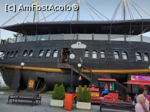 "P04 [AUG-2019] Restaurant Black Pearl -- foto by <b>Ccucu</b> [uploaded 27.08.19] - <span class=""allrVotedi"" id=""av1100940"">Foto VOTATĂ de mine!</span><div class=""delVotI"" id=""sv1100940""><a href=""/pma_sterge_vot.php?vid=&fid=1100940"">Şterge vot</a></div><span id=""v91100940"" class=""displayinline;""> - <a style=""color:red;"" href=""javascript:votez(1100940)""><b>LIKE</b> = Votează poza</a><img class=""loader"" id=""f1100940Validating"" src=""/imagini/loader.gif"" border=""0"" /><span class=""AjErrMes""  id=""e1100940MesajEr""></span>"