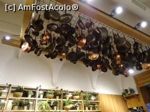 "P06 [OCT-2018] Decor tavan și vegetație pe peretele din dreapta - Restaurant Marty Eatery, Cluj.  -- foto by <b>tata123</b> [uploaded 19.11.18] - <span class=""allrVotedi"" id=""av1032983"">Foto VOTATĂ de mine!</span><div class=""delVotI"" id=""sv1032983""><a href=""/pma_sterge_vot.php?vid=&fid=1032983"">Şterge vot</a></div><span id=""v91032983"" class=""displayinline;""> - <a style=""color:red;"" href=""javascript:votez(1032983)""><b>LIKE</b> = Votează poza</a><img class=""loader"" id=""f1032983Validating"" src=""/imagini/loader.gif"" border=""0"" /><span class=""AjErrMes""  id=""e1032983MesajEr""></span>"
