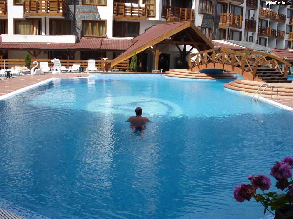 Mobila pentru bucataria cazare predeal cu piscina exterioara for Cazare bran cu piscina