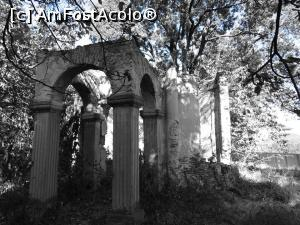 "P15 [SEP-2019] Capela Curții Văcăreștilor - ruine.  -- foto by <b>tata123</b> [uploaded 07.10.19] - <span class=""allrVotedi"" id=""av1114384"">Foto VOTATĂ de mine!</span><div class=""delVotI"" id=""sv1114384""><a href=""/pma_sterge_vot.php?vid=&fid=1114384"">Şterge vot</a></div><span id=""v91114384"" class=""displayinline;""> - <a style=""color:red;"" href=""javascript:votez(1114384)""><b>LIKE</b> = Votează poza</a><img class=""loader"" id=""f1114384Validating"" src=""/imagini/loader.gif"" border=""0"" /><span class=""AjErrMes""  id=""e1114384MesajEr""></span>"