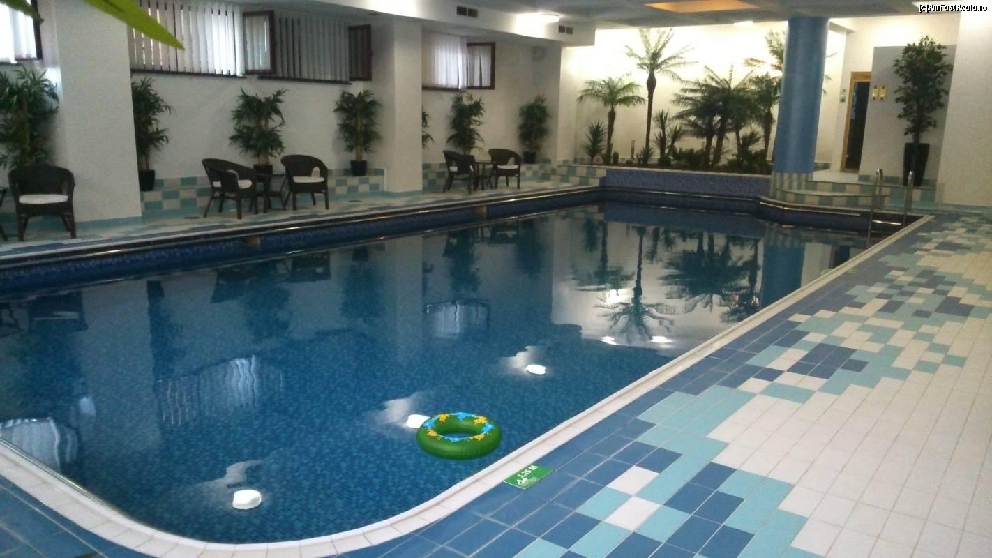 Mobila pentru bucataria cazare slanic moldova cu piscina for Hotel cu piscina