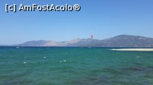 "P19 [SEP-2018] Kite surfing la Great Sand Beach -- foto by <b>Eduard D</b> [uploaded 01.01.19] - <span class=""allrVotedi"" id=""av1045224"">Foto VOTATĂ de mine!</span><div class=""delVotI"" id=""sv1045224""><a href=""/pma_sterge_vot.php?vid=&fid=1045224"">Şterge vot</a></div><span id=""v91045224"" class=""displayinline;""> - <a style=""color:red;"" href=""javascript:votez(1045224)""><b>LIKE</b> = Votează poza</a><img class=""loader"" id=""f1045224Validating"" src=""/imagini/loader.gif"" border=""0"" /><span class=""AjErrMes""  id=""e1045224MesajEr""></span>"