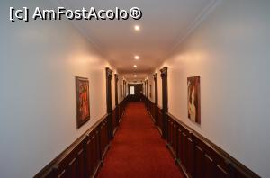 "P05 [FEB-2018] Grand Hotel Sofianu - holul de la etajul 3 -- foto by <b>Dragos</b> [uploaded 19.02.18] - <span class=""allrVotedi"" id=""av946273"">Foto VOTATĂ de mine!</span><div class=""delVotI"" id=""sv946273""><a href=""/pma_sterge_vot.php?vid=&fid=946273"">Şterge vot</a></div><span id=""v9946273"" class=""displayinline;""> - <a style=""color:red;"" href=""javascript:votez(946273)""><b>LIKE</b> = Votează poza</a><img class=""loader"" id=""f946273Validating"" src=""/imagini/loader.gif"" border=""0"" /><span class=""AjErrMes""  id=""e946273MesajEr""></span>"