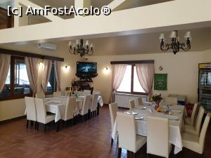 "P06 [MAR-2019] Restaurantul La Johnny- Cuibul Viselor -- foto by <b>robert</b> [uploaded 22.03.19] - <span class=""allrVotedi"" id=""av1060557"">Foto VOTATĂ de mine!</span><div class=""delVotI"" id=""sv1060557""><a href=""/pma_sterge_vot.php?vid=&fid=1060557"">Şterge vot</a></div><span id=""v91060557"" class=""displayinline;""> - <a style=""color:red;"" href=""javascript:votez(1060557)""><b>LIKE</b> = Votează poza</a><img class=""loader"" id=""f1060557Validating"" src=""/imagini/loader.gif"" border=""0"" /><span class=""AjErrMes""  id=""e1060557MesajEr""></span>"
