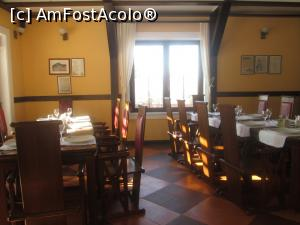"P16 [FEB-2017] La Promenada Rasnov- Interiorul restaurantului.  -- foto by <b>Floria</b> [uploaded 27.02.17] - <span class=""allrVotedi"" id=""av837328"">Foto VOTATĂ de mine!</span><div class=""delVotI"" id=""sv837328""><a href=""/pma_sterge_vot.php?vid=&fid=837328"">Şterge vot</a></div><span id=""v9837328"" class=""displayinline;""> - <a style=""color:red;"" href=""javascript:votez(837328)""><b>LIKE</b> = Votează poza</a><img class=""loader"" id=""f837328Validating"" src=""/imagini/loader.gif"" border=""0"" /><span class=""AjErrMes""  id=""e837328MesajEr""></span>"