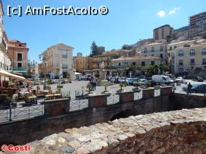 "P25 [APR-2017] Piazza della Repubblica, din Pizzo, văzută din Castello Murat -- foto by <b>Costi</b> [uploaded 30.04.17] - <span class=""allrVotedi"" id=""av850106"">Foto VOTATĂ de mine!</span><div class=""delVotI"" id=""sv850106""><a href=""/pma_sterge_vot.php?vid=&fid=850106"">Şterge vot</a></div><span id=""v9850106"" class=""displayinline;""> - <a style=""color:red;"" href=""javascript:votez(850106)""><b>LIKE</b> = Votează poza</a><img class=""loader"" id=""f850106Validating"" src=""/imagini/loader.gif"" border=""0"" /><span class=""AjErrMes""  id=""e850106MesajEr""></span>"