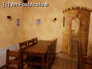 "P03 [NOV-2019] Apor Pizza&Caffe din Băile Tușnad - imagine din interior.  -- foto by <b>Crazy_Mouse</b> [uploaded 10.11.19] - <span class=""allrVotedi"" id=""av1124163"">Foto VOTATĂ de mine!</span><div class=""delVotI"" id=""sv1124163""><a href=""/pma_sterge_vot.php?vid=&fid=1124163"">Şterge vot</a></div><span id=""v91124163"" class=""displayinline;""> - <a style=""color:red;"" href=""javascript:votez(1124163)""><b>LIKE</b> = Votează poza</a><img class=""loader"" id=""f1124163Validating"" src=""/imagini/loader.gif"" border=""0"" /><span class=""AjErrMes""  id=""e1124163MesajEr""></span>"