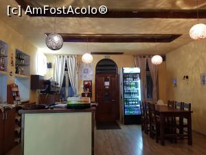 "P09 [NOV-2019] Apor Pizza&Caffe din Băile Tușnad - barul locației.  -- foto by <b>Crazy_Mouse</b> [uploaded 10.11.19] - <span class=""allrVotedi"" id=""av1124169"">Foto VOTATĂ de mine!</span><div class=""delVotI"" id=""sv1124169""><a href=""/pma_sterge_vot.php?vid=&fid=1124169"">Şterge vot</a></div><span id=""v91124169"" class=""displayinline;""> - <a style=""color:red;"" href=""javascript:votez(1124169)""><b>LIKE</b> = Votează poza</a><img class=""loader"" id=""f1124169Validating"" src=""/imagini/loader.gif"" border=""0"" /><span class=""AjErrMes""  id=""e1124169MesajEr""></span>"