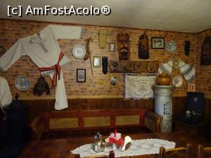 "P03 [MAY-2019] Interior - Restaurant Rustiq din Sântimbru.  -- foto by <b>tata123</b> [uploaded 16.05.19] - <span class=""allrVotedi"" id=""av1070833"">Foto VOTATĂ de mine!</span><div class=""delVotI"" id=""sv1070833""><a href=""/pma_sterge_vot.php?vid=&fid=1070833"">Şterge vot</a></div><span id=""v91070833"" class=""displayinline;""> - <a style=""color:red;"" href=""javascript:votez(1070833)""><b>LIKE</b> = Votează poza</a><img class=""loader"" id=""f1070833Validating"" src=""/imagini/loader.gif"" border=""0"" /><span class=""AjErrMes""  id=""e1070833MesajEr""></span>"