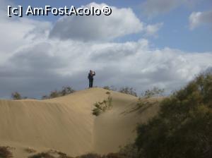 """P09 <small>[înc: 16.02.18]</small> 9. Mihai s-a suit pe """"munți"""", vrea să facă o vedere panoramică."""