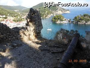 P01 <small>[înc: 13.10.15]</small> Parga - Din înălţimile Castelului Veneţian, vedere asupra golfului.