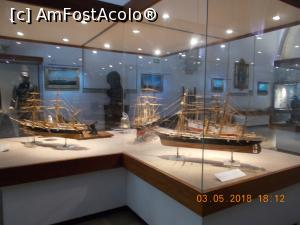 "P20 [MAY-2018] Vitrine cu machete interesante.  -- foto by <b>elviramvio</b> [uploaded 01.10.18] - <span class=""allrVotedi"" id=""av1015857"">Foto VOTATĂ de mine!</span><div class=""delVotI"" id=""sv1015857""><a href=""/pma_sterge_vot.php?vid=&fid=1015857"">Şterge vot</a></div><span id=""v91015857"" class=""displayinline;""> - <a style=""color:red;"" href=""javascript:votez(1015857)""><b>LIKE</b> = Votează poza</a><img class=""loader"" id=""f1015857Validating"" src=""/imagini/loader.gif"" border=""0"" /><span class=""AjErrMes""  id=""e1015857MesajEr""></span>"