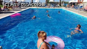 "P18 [JUL-2016] piscina -- foto by <b>catalinioan</b> [uploaded 12.07.17] - <span class=""allrVotedi"" id=""av874649"">Foto VOTATĂ de mine!</span><div class=""delVotI"" id=""sv874649""><a href=""/pma_sterge_vot.php?vid=&fid=874649"">Şterge vot</a></div><span id=""v9874649"" class=""displayinline;""> - <a style=""color:red;"" href=""javascript:votez(874649)""><b>LIKE</b> = Votează poza</a><img class=""loader"" id=""f874649Validating"" src=""/imagini/loader.gif"" border=""0"" /><span class=""AjErrMes""  id=""e874649MesajEr""></span>"