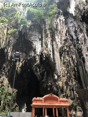 "<div class=""lineH1p2""><span class='label label-default labelC_thin'>P21</span><span class='c-gray'> [JUL-2019] </span>batu caves</div>"