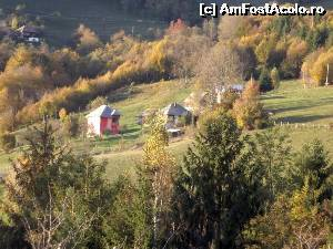 "P22 <small>[NOV-2014]</small> Kings Valley Resort Apuseni Mountains - alți vecini, mai depărtați » foto by Dragos  -  <span class=""allrVoted glyphicon glyphicon-heart hidden"" id=""av572330""></span> <a class=""m-l-10 hidden"" id=""sv572330"" onclick=""voting_Foto_DelVot(,572330,14116)"" role=""button"">șterge vot <span class=""glyphicon glyphicon-remove""></span></a> <a id=""v9572330"" class="" c-red""  onclick=""voting_Foto_SetVot(572330)"" role=""button""><span class=""glyphicon glyphicon-heart-empty""></span> <b>LIKE</b> = Votează poza</a> <img class=""hidden""  id=""f572330W9"" src=""/imagini/loader.gif"" border=""0"" /><span class=""AjErrMes hidden"" id=""e572330ErM""></span>"