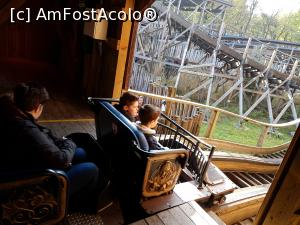"P15 [NOV-2017] Efteling parc -- foto by <b>andreea_c</b> [uploaded 06.02.18] - <span class=""allrVotedi"" id=""av942980"">Foto VOTATĂ de mine!</span><div class=""delVotI"" id=""sv942980""><a href=""/pma_sterge_vot.php?vid=&fid=942980"">Şterge vot</a></div><span id=""v9942980"" class=""displayinline;""> - <a style=""color:red;"" href=""javascript:votez(942980)""><b>LIKE</b> = Votează poza</a><img class=""loader"" id=""f942980Validating"" src=""/imagini/loader.gif"" border=""0"" /><span class=""AjErrMes""  id=""e942980MesajEr""></span>"