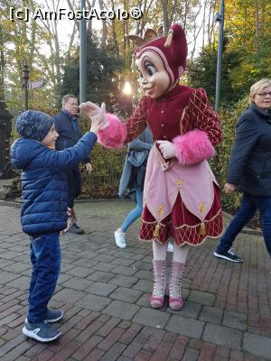 "P09 [NOV-2017] Efteling parc -- foto by <b>andreea_c</b> [uploaded 06.02.18] - <span class=""allrVotedi"" id=""av942974"">Foto VOTATĂ de mine!</span><div class=""delVotI"" id=""sv942974""><a href=""/pma_sterge_vot.php?vid=&fid=942974"">Şterge vot</a></div><span id=""v9942974"" class=""displayinline;""> - <a style=""color:red;"" href=""javascript:votez(942974)""><b>LIKE</b> = Votează poza</a><img class=""loader"" id=""f942974Validating"" src=""/imagini/loader.gif"" border=""0"" /><span class=""AjErrMes""  id=""e942974MesajEr""></span>"