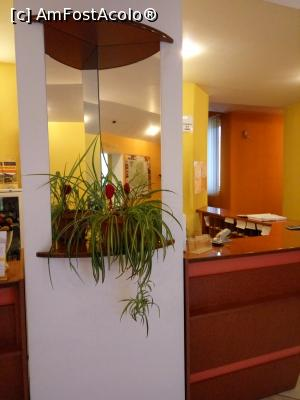 "P13 [JAN-2017] Hotel Mures***, Toplita, la receptie -- foto by <b>Dana2008</b> [uploaded 14.02.17] - <span class=""allrVotedi"" id=""av834005"">Foto VOTATĂ de mine!</span><div class=""delVotI"" id=""sv834005""><a href=""/pma_sterge_vot.php?vid=&fid=834005"">Şterge vot</a></div><span id=""v9834005"" class=""displayinline;""> - <a style=""color:red;"" href=""javascript:votez(834005)""><b>LIKE</b> = Votează poza</a><img class=""loader"" id=""f834005Validating"" src=""/imagini/loader.gif"" border=""0"" /><span class=""AjErrMes""  id=""e834005MesajEr""></span>"