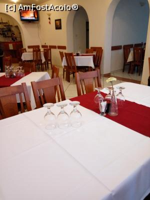 "P17 [JAN-2017] Hotel Mures***, Toplita, la restaurant -- foto by <b>Dana2008</b> [uploaded 14.02.17] - <span class=""allrVotedi"" id=""av834012"">Foto VOTATĂ de mine!</span><div class=""delVotI"" id=""sv834012""><a href=""/pma_sterge_vot.php?vid=&fid=834012"">Şterge vot</a></div><span id=""v9834012"" class=""displayinline;""> - <a style=""color:red;"" href=""javascript:votez(834012)""><b>LIKE</b> = Votează poza</a><img class=""loader"" id=""f834012Validating"" src=""/imagini/loader.gif"" border=""0"" /><span class=""AjErrMes""  id=""e834012MesajEr""></span>"