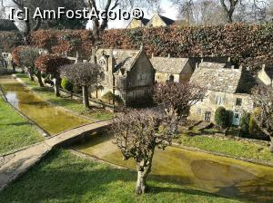 "P07 <small>[FEB-2017]</small> Burton-on-the-Water, The Model Village » foto by crismis   <span class=""allrVoted glyphicon glyphicon-heart hidden"" id=""av837646""></span> <a class=""m-l-10 hidden pull-right"" id=""sv837646"" onclick=""voting_Foto_DelVot(,837646,0)"" role=""button"">șterge vot <span class=""glyphicon glyphicon-remove""></span></a> <img class=""hidden pull-right m-r-10 m-l-10""  id=""f837646W9"" src=""/imagini/loader.gif"" border=""0"" /> <a id=""v9837646"" class="" c-red pull-right""  onclick=""voting_Foto_SetVot(837646)"" role=""button""><span class=""glyphicon glyphicon-heart-empty""></span> <b>LIKE</b> = Votează poza</a><span class=""AjErrMes hidden"" id=""e837646ErM""></span>"