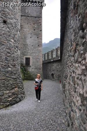 "P21 [JUN-2018] Castelul Fenis – Valle d'Aosta, in curtea ingusta intre zidurile de aparare si castel.  -- foto by <b>Diaura*</b> [uploaded 10.03.19] - <span class=""allrVotedi"" id=""av1058865"">Foto VOTATĂ de mine!</span><div class=""delVotI"" id=""sv1058865""><a href=""/pma_sterge_vot.php?vid=&fid=1058865"">Şterge vot</a></div><span id=""v91058865"" class=""displayinline;""> - <a style=""color:red;"" href=""javascript:votez(1058865)""><b>LIKE</b> = Votează poza</a><img class=""loader"" id=""f1058865Validating"" src=""/imagini/loader.gif"" border=""0"" /><span class=""AjErrMes""  id=""e1058865MesajEr""></span>"