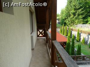 "P18 [AUG-2015] Pensiunea Kali. Balconul camerei noastre.  -- foto by <b>vega06</b> [uploaded 30.05.16] - <span class=""allrVotedi"" id=""av743741"">Foto VOTATĂ de mine!</span><div class=""delVotI"" id=""sv743741""><a href=""/pma_sterge_vot.php?vid=&fid=743741"">Şterge vot</a></div><span id=""v9743741"" class=""displayinline;""> - <a style=""color:red;"" href=""javascript:votez(743741)""><b>LIKE</b> = Votează poza</a><img class=""loader"" id=""f743741Validating"" src=""/imagini/loader.gif"" border=""0"" /><span class=""AjErrMes""  id=""e743741MesajEr""></span>"